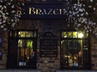 Dublin's oldest pub- Bailey's Cheesecake to die for & Guinness
