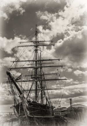 Captain Scott 's Arctic explorer ship: Discovery in Dundee
