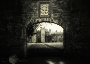 the gate to Scone Palace